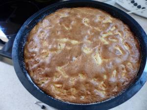 Gâteau pommes-noix P1000180