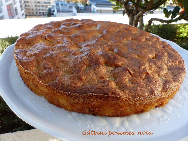 Gâteau pommes-noix P1000190