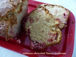 Gâteau chocolat blanc-pralines P1020310