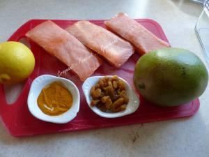 Saumon à l'aigre-douce, mangue et sauce curcuma P1020085