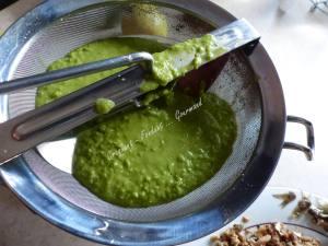 Mousse de sardinettes sur coulis vert P1040052
