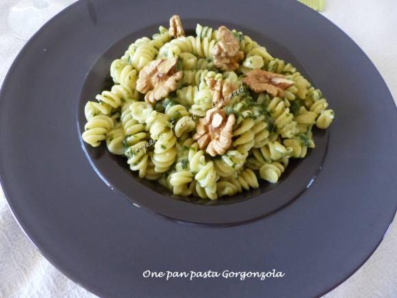 One pan pasta Gorgonzola P1030564