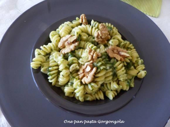 One pan pasta Gorgonzola P1030565