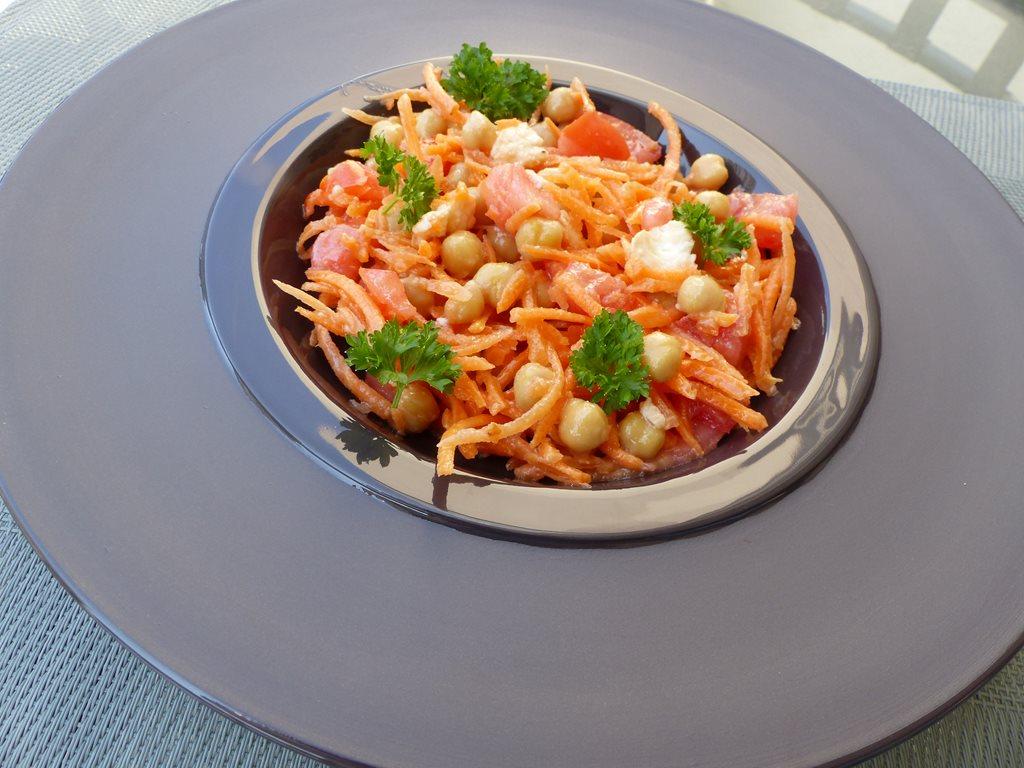 Salade composée aux pois chichesP1030673 (Copy)