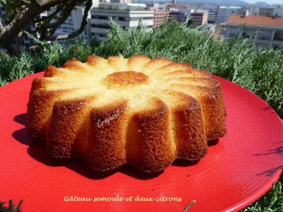 Gâteau semoule et deux citrons P1040665