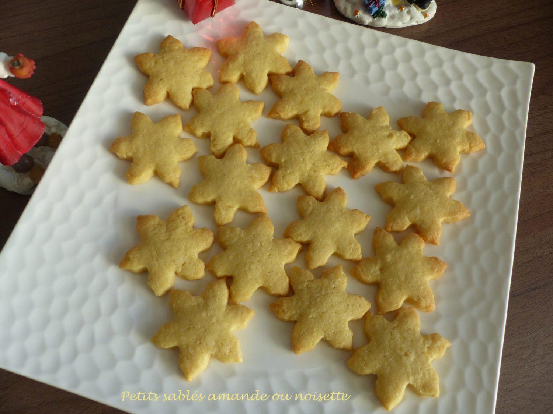 Petits sablés amande ou noisette P1070481 R