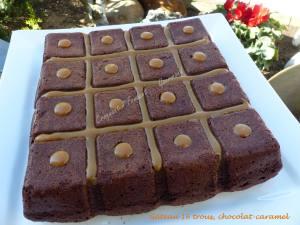 Gâteau 16 trous, chocolat-caramel P1020374