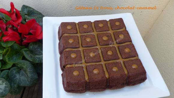 Gâteau 16 trous, chocolat-caramel P1020377