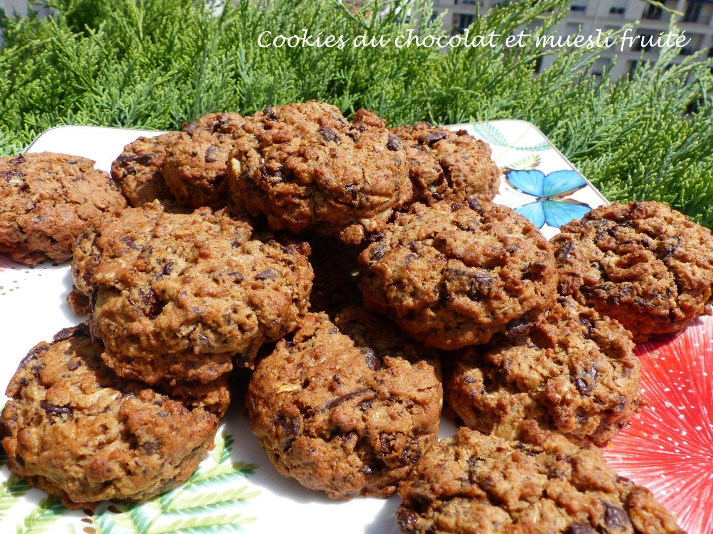 Cookies au chocolat et muesli fruité P1110421 R