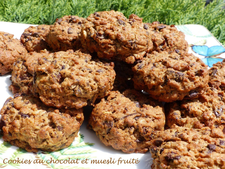 Cookies au chocolat et muesli fruité P1110425 R