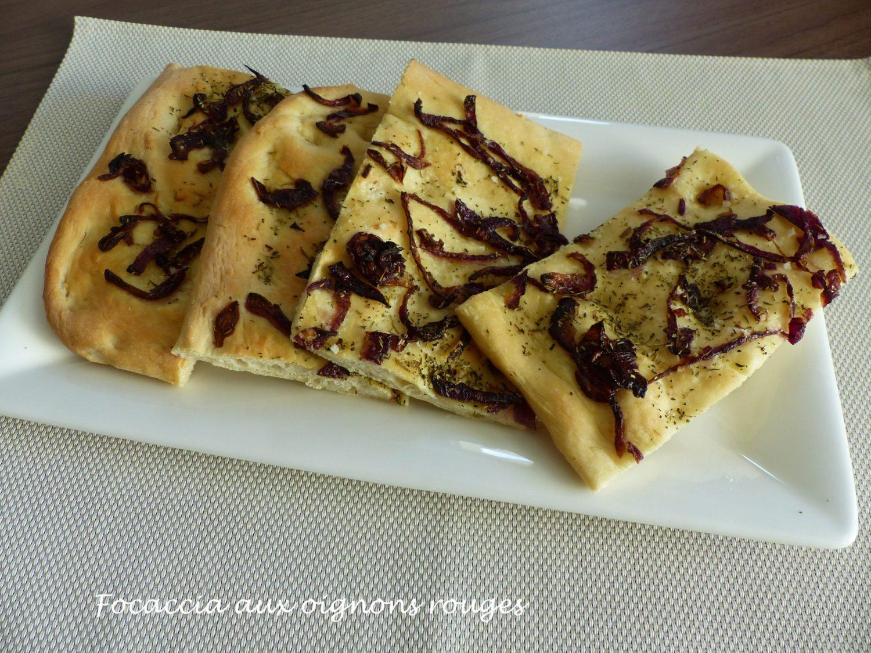 Focaccia aux oignons rouges P1060429 R