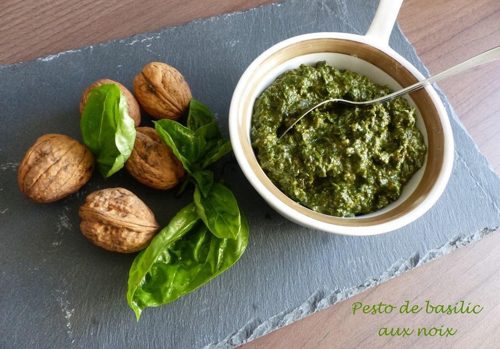 Pesto de basilic aux noix P1130734 R (Copy)