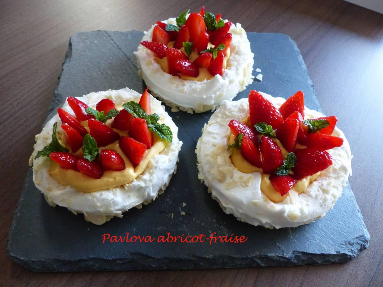Pavlova abricot-fraise P1170040 R