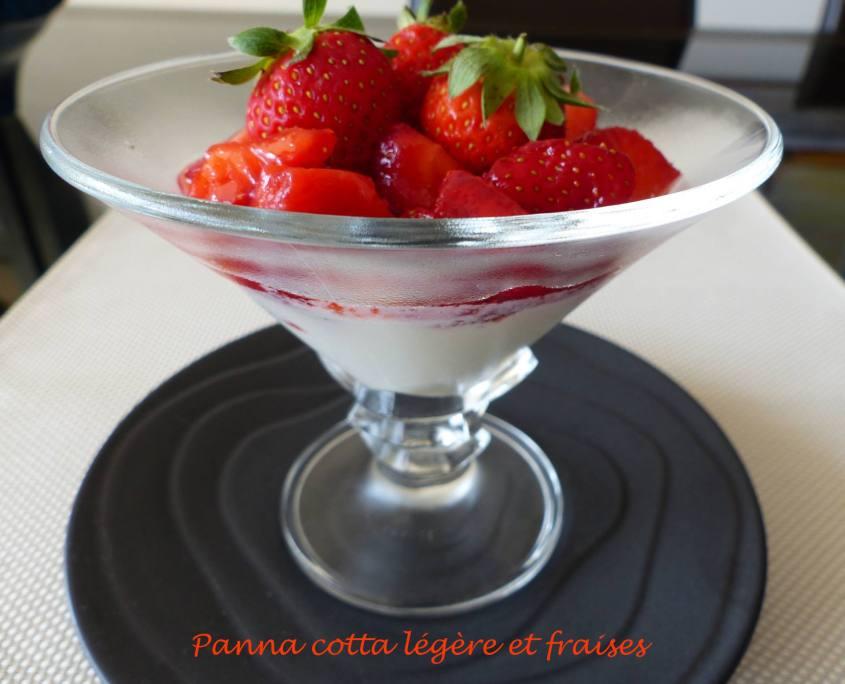 Panna cotta légère et fraises P1180266 R