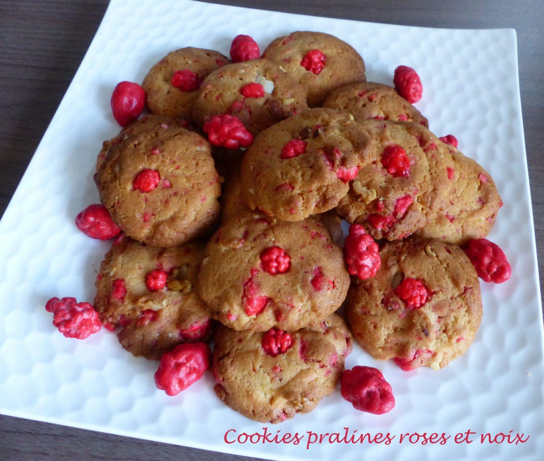 Cookies pralines roses et noix P1130212 R