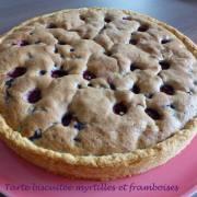 Tarte biscuitée myrtilles et framboisesP1200732 R