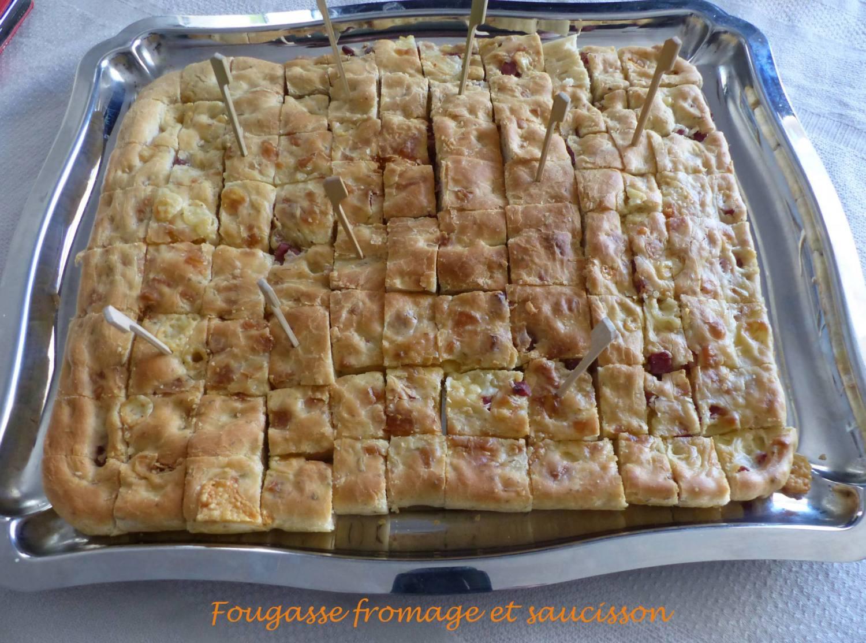 Fougasse fromage et saucisson P1170711 R