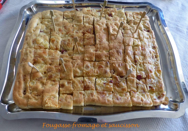 Fougasse fromage et saucisson P1170712 R