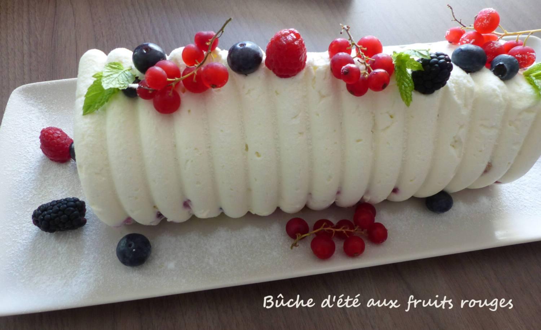 Bûche d'été aux fruits rouges P1250158 R