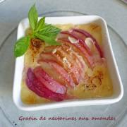 Gratin de nectarines aux amandes P1260008 R