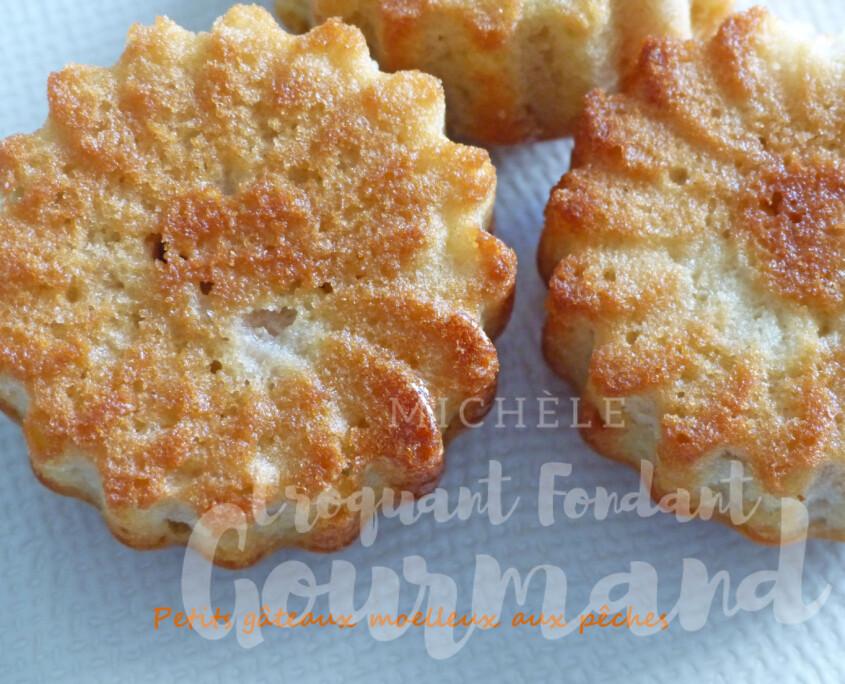 Petits gâteaux moelleux aux pêches P1260176 R