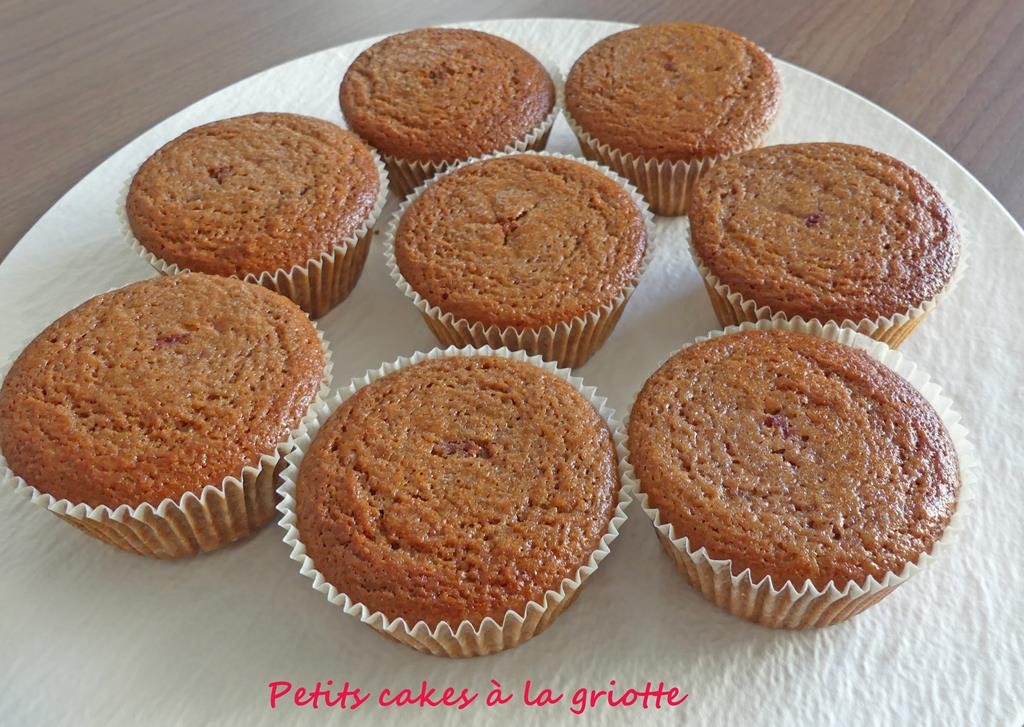Petits cakes à la griotte P1000617 R (Copy)