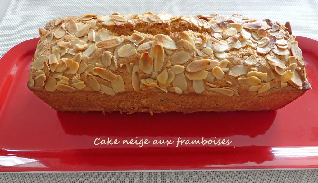Cake neige aux framboises P1010104 R (Copy)