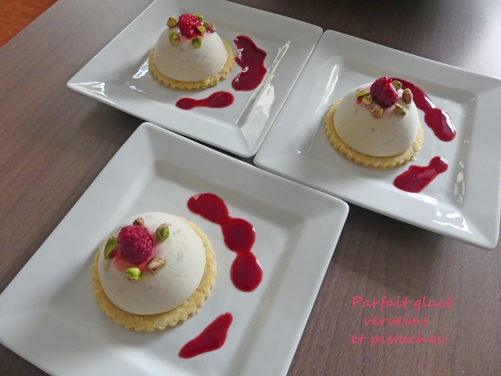 Parfait glacé verveine et pistaches P1020117 R (Copy)