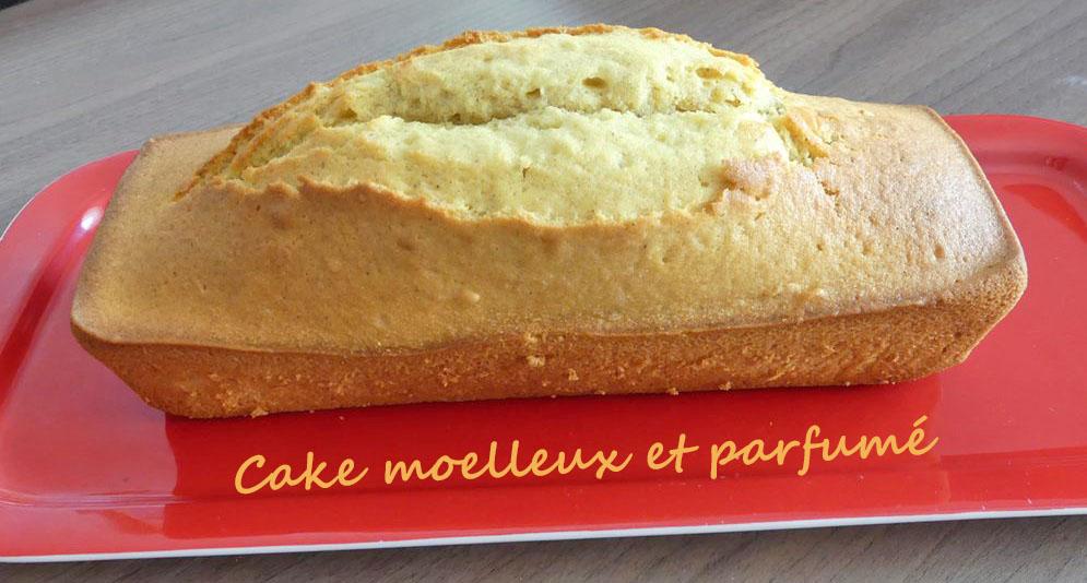 Cake moelleux et parfumé P1020669 R (Copy)