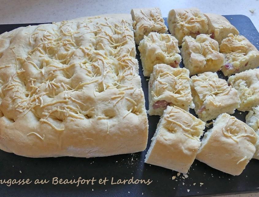 Fougasse au Beaufort et Lardons P1020780 R (Copy)