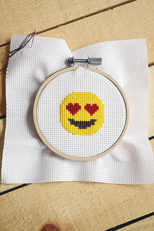 Heart eyes emoji cross stitch chart