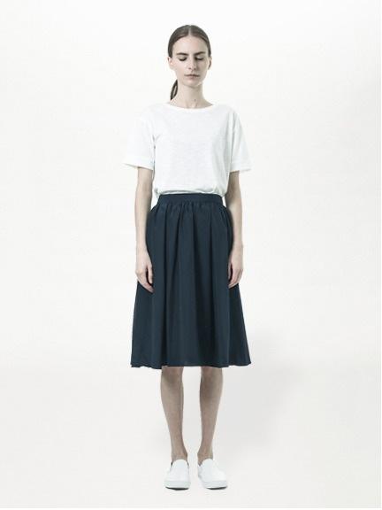 ・フレアミモレ丈スカート