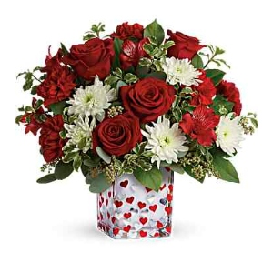 red roses heart vase flower arrangement
