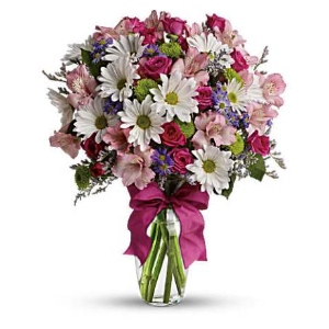 white daisy pink flowers vase arrangement