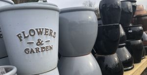 Pottery, ceramic pots, outdoor containers