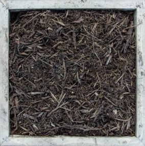 Natural, undyed mulch