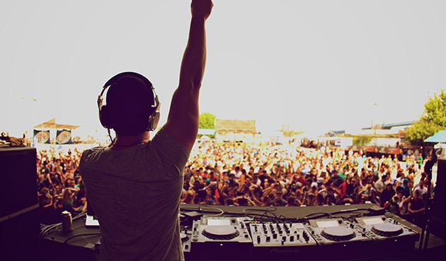 festival-crowd1