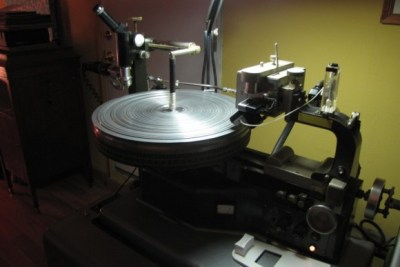 vinyl-pressing