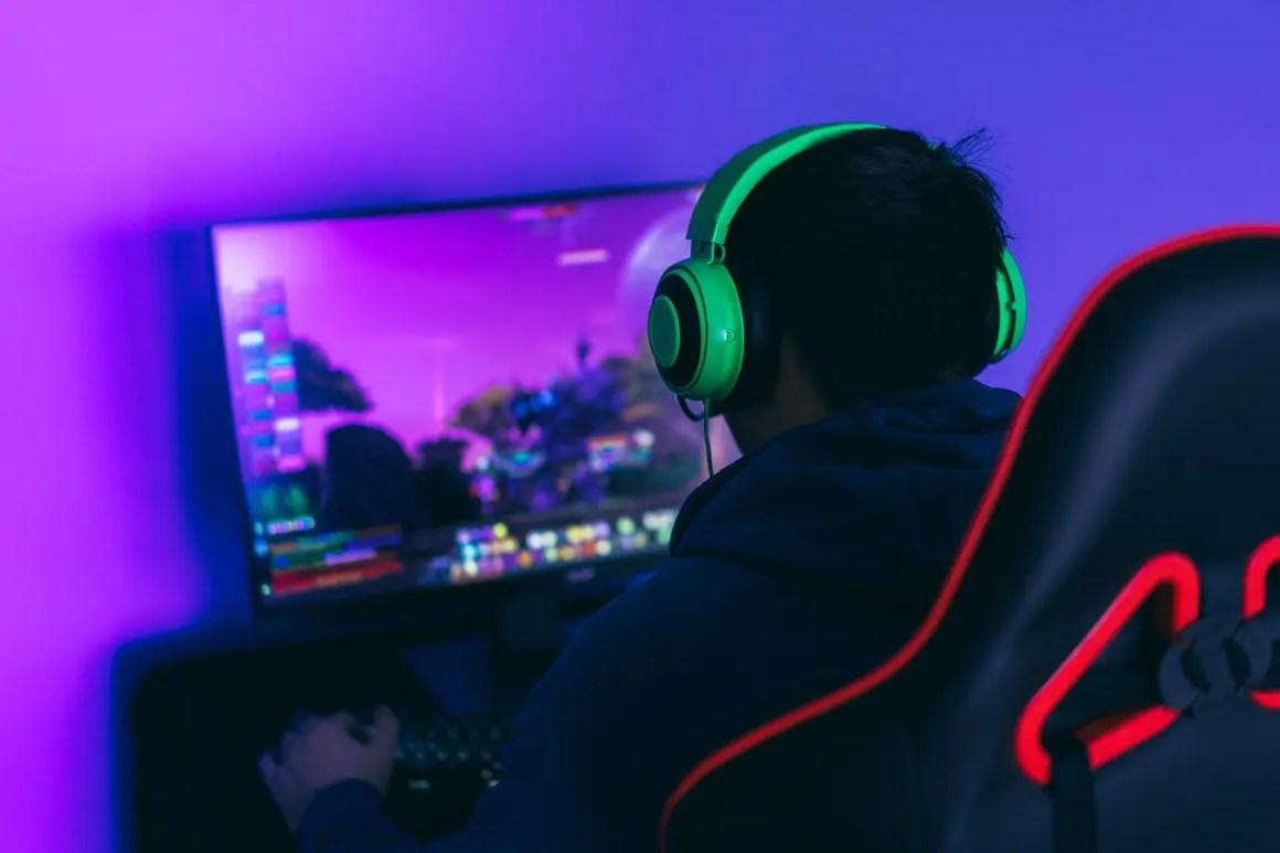 gamer-guy-plays-computer-games-a-modern-hobby-play-AZFJKJH_Easy-Resize.com (1)