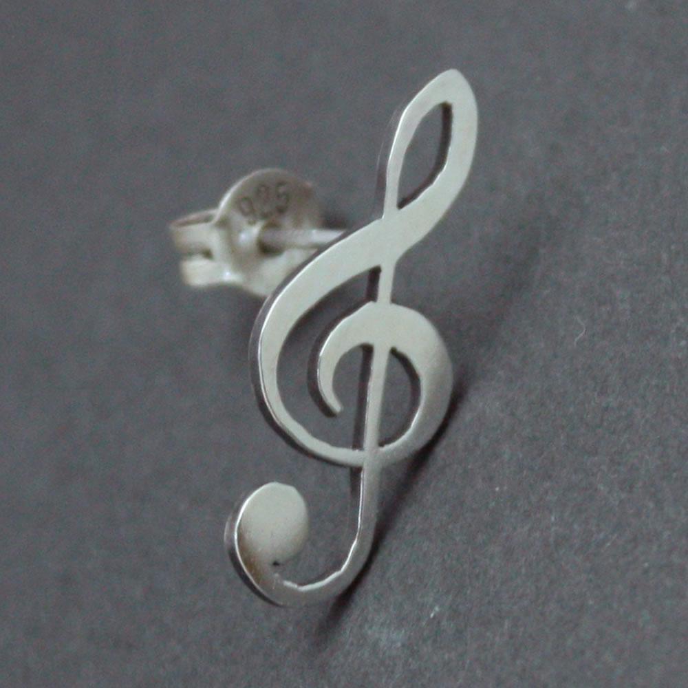 楽譜のト音記号をそのままシルバーピアスにしたシンプルなアクセサリー「G CLEF PIERCE」