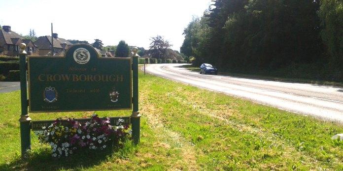 Crowborough-Town-Sign-Flowe