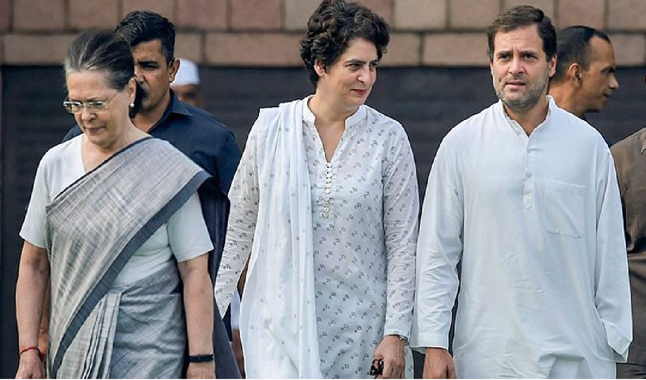 CWC Meet Live : Sonia Gandhi made the offer to quit – Rahul blames leaders Colluding with BJP