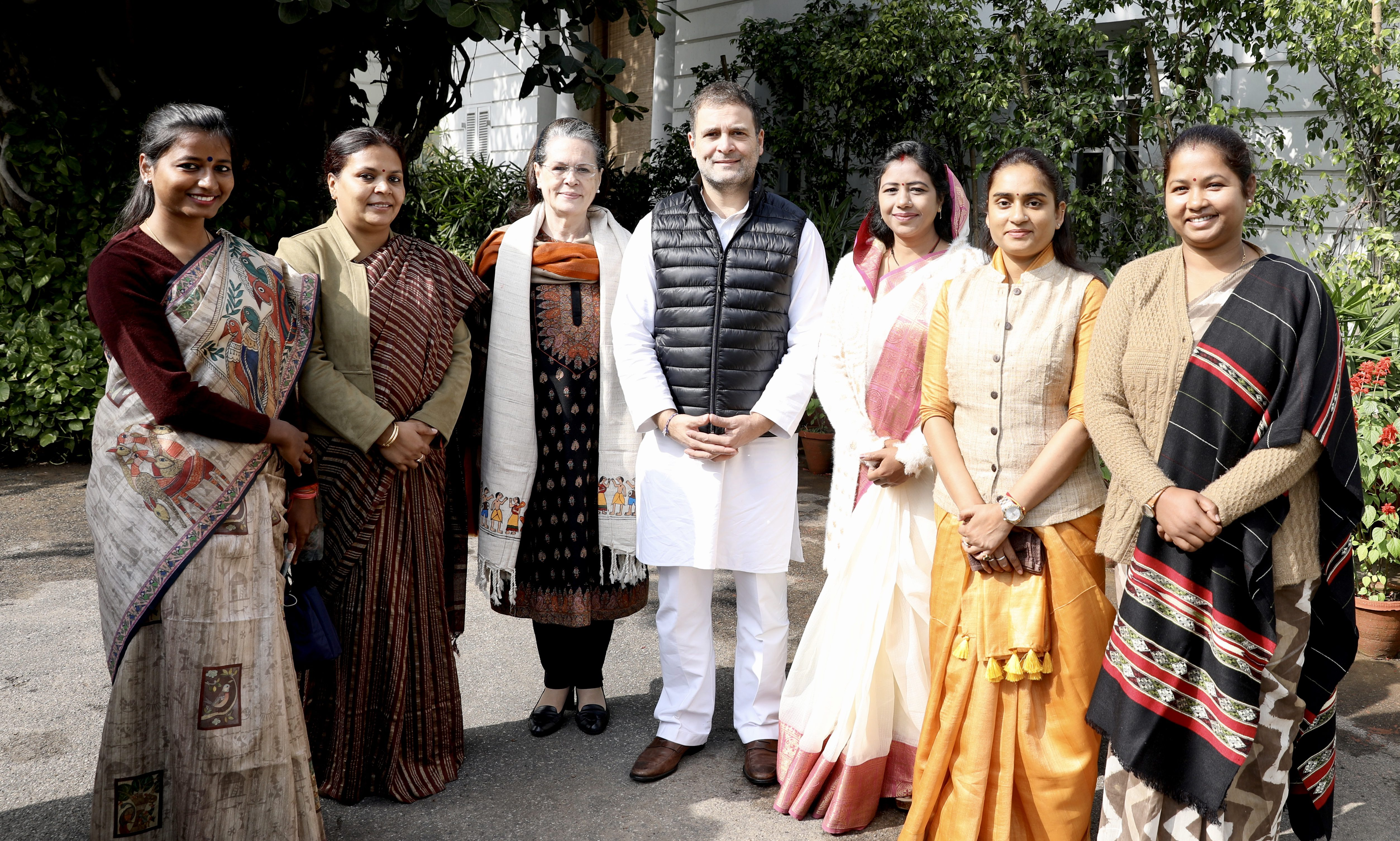 CWC Meet and Congress Crisis  : Should the Gandhi Family let go off the deteriorating Congress?