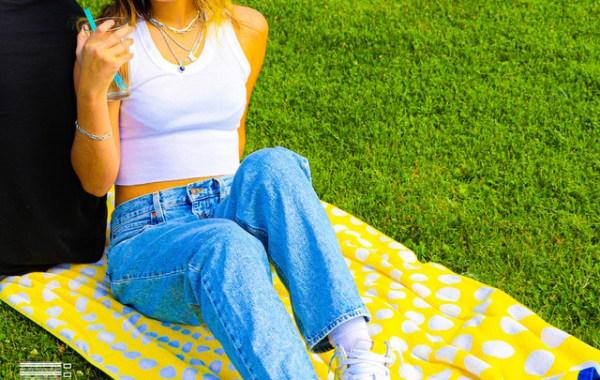 Audrey Mika – Just Friends lyrics