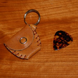 guitar pick holder (tan)