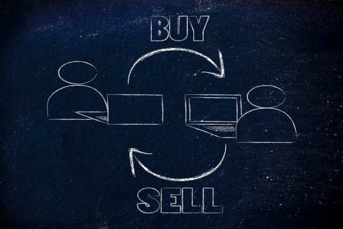 computer users buying and selling items online conept of internet marketplace