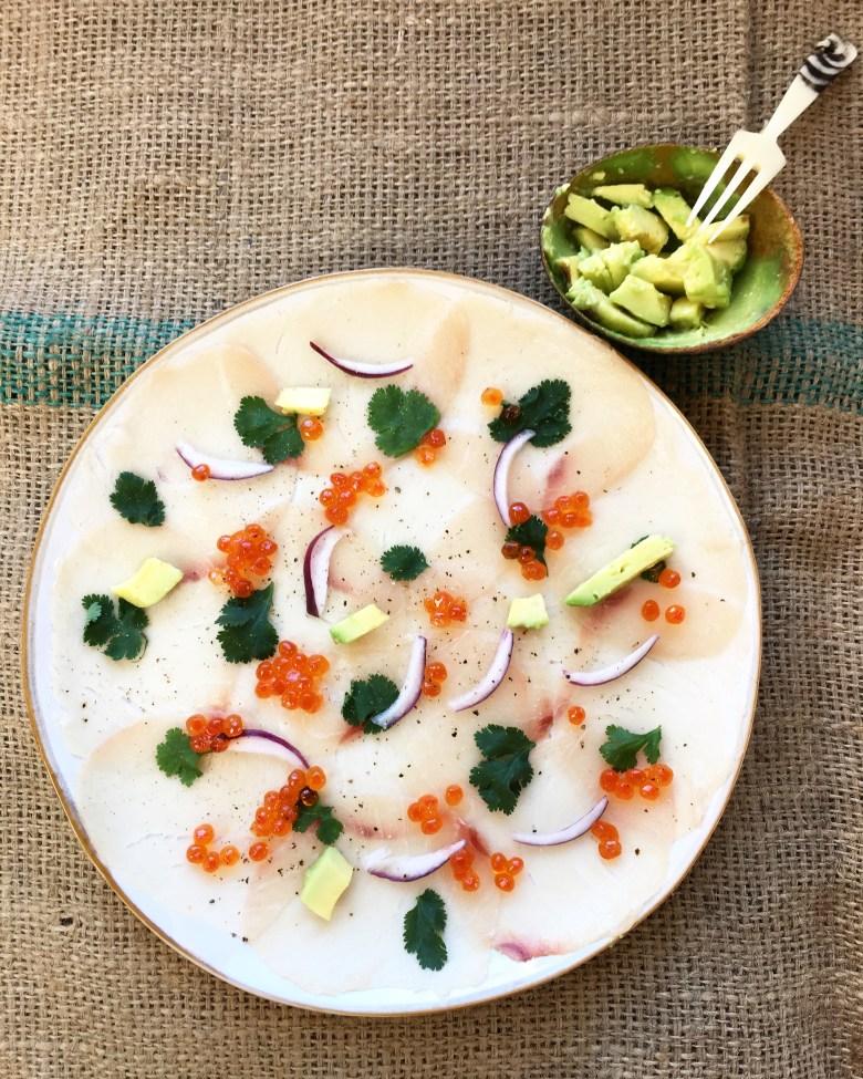 Carpaccio de bacalhau com caviar. By Cru com pinta.
