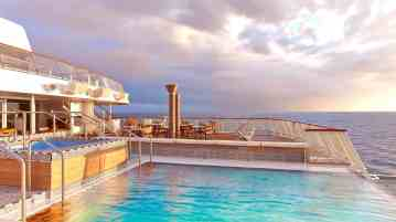 Viking Star - Aft Pool