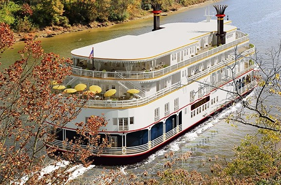 Deluxe riverboat Louisiane