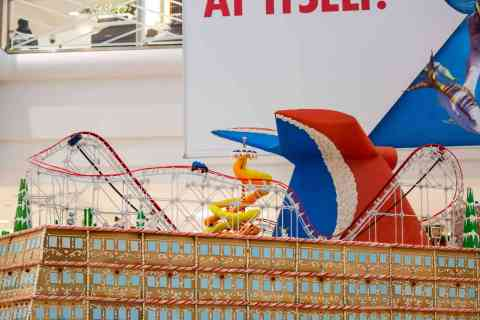 Carnival Cruise Line Docks Gingerbread Mardi Gras in Atlanta Mall | 5